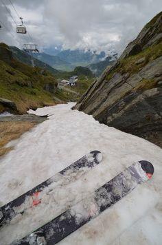 Skiing the Planet: Sheep Skiing