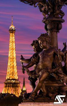 Beautiful shot in Paris France Tour Eiffel, Paris Eiffel Tower, Eiffel Towers, Paris Travel, France Travel, Paris France, Places To Travel, Places To Visit, Pont Alexandre Iii