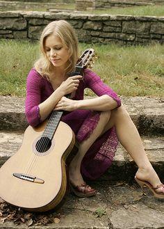 Guitarist Muriel Anderson on Muriel Anderson - Guitar Girl Magazine Guitar Girl, Music Guitar, Playing Guitar, Bass, Guitar Photos, Girls Magazine, Female Guitarist, Guitar Design, Classical Guitar