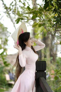 Vietnamese Traditional Dress, Vietnamese Dress, Traditional Dresses, Ao Dai, Vietnam Costume, Vietnam Girl, Princess Outfits, Cosplay Outfits, Beautiful Asian Girls