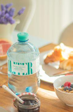 Wer früh aufsteht, kann früh fröhlich sein! #jungbleiben Fiji Water Bottle, Drinks, Quotes, Getting Up Early, Drinking, Quotations, Beverages, Drink, Quote