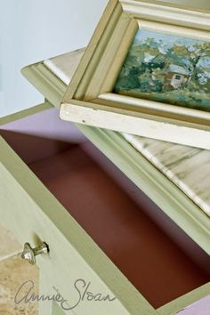 Chalk Paint® decorative paint by Annie Sloan on a beautiful frame | Annie Sloan Unfolded