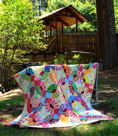 Two years ago today my friend Lee Fowler died, succumbing to a rare form of cancer called leiomyosarcoma. Lee was a nationally recognized quilt artist, designer, and teacher who also loved to knit,…