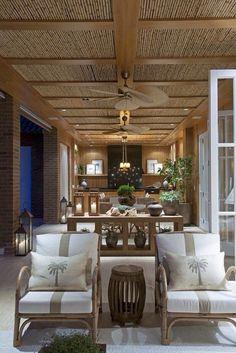 40 Unique farmhouse decoration ideas for inspiration Bar Deco, Deco Restaurant, Decoration Inspiration, Interior Decorating, Interior Design, Tropical Houses, Ceiling Design, Home Design, Midcentury Modern