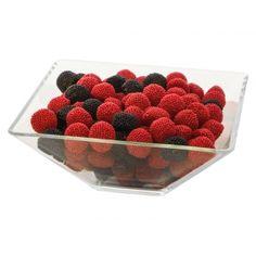 Haide in padure sa culegem zmeura si mure :) . Pentru candybar aceste jeleuri delicioase vor fi culese de catre invitati intr-o clipita. Raspberry, Fruit, Food, Essen, Meals, Raspberries, Yemek, Eten