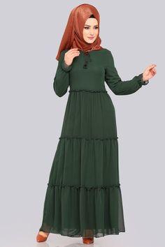 Hijab Fashion, Women's Fashion, Kebaya Muslim, Evening Dresses Plus Size, Indonesian Girls, Abayas, Industrial Style, Beautiful Women, Satin