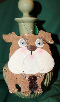 Felt bulldog ornament :) Cute!!!