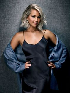 One of Hollywood's biggest stars, Jennifer Lawrence, is named Entertainer of the Year by Entertainment Weekly for its December 2015 cover story. Le Style Jennifer Lawrence, Jennifer Lawrence Photoshoot, Jenifer Lawrance, Happiness Therapy, Beautiful People, Beautiful Women, Entertainment Weekly, Celebs, Celebrities
