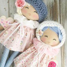 Sweet Friends #thespuncandydollhousecollection #comingsoon #lollypoppets #handmadedolls #clothdolls #valentinedoll #dollmaker #spuncandydolls