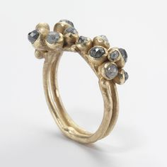 Double #Cluster #Diamond #Ring by Ruth Tomlinson http://www.fldesignerguides.co.uk/engagement-ring-designer/ruthtomlinson
