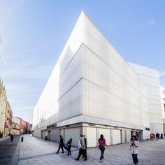 Mercado, Polideportivo Y Biblioteca Barceló / Nieto Sobejano Arquitectos
