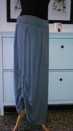 Velejemná maxisukně Skirts, Fashion, Moda, Fashion Styles, Skirt, Fashion Illustrations, Gowns, Skirt Outfits