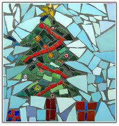 Christmas Mosaics, Glass Christmas Tree, Christmas Time, Christmas Crafts, Merry Christmas, Holiday, Mosaic Art, Mosaic Glass, Fused Glass