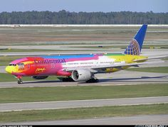 """Continental Airlines Boeing 777-224ER N77014 """"Peter Max"""" @ IAH by MDLPhotoz, via Flickr"""