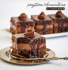 Prajitura Amandina: The directions left something to be desired. No cooking time. Great Desserts, No Bake Desserts, Delicious Desserts, Romanian Desserts, Romanian Food, Sweets Recipes, Cake Recipes, Chocolate Pastry, Sweets
