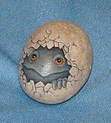 2903-109-Hatching.Egg.jpg 226×250 pixels