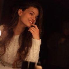 Leyla Tanlar Leyla Tanlar, Turkish Actors, Actors & Actresses, My Hair, Celebrity, My Style, Men, Beauty, Beleza