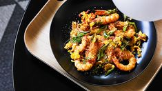 This flaky, buttery bread is a staple in Malaysia's Mamak stalls. Use it to mop up a modern favourite – butter prawns. Prawn Recipes, Curry Recipes, Asian Recipes, Ethnic Recipes, Malaysian Food, Malaysian Recipes, Butter Prawn, Malay Food, Sbs Food