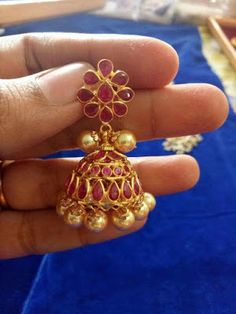 A collection of latest gold jhumka earring designs with images. Gold Ring Designs, Gold Earrings Designs, Gold Jewellery Design, Handmade Jewellery, Jewellery Shops, Temple Jewellery, Antique Jewellery, Silver Jewellery, Gold Jhumka Earrings
