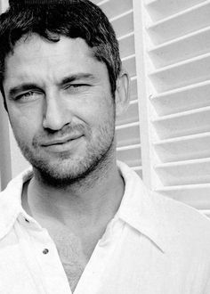 Gerard Butler, male actor, beard, steaming hot, movie star, celeb, sexy, powerful eyes, intense, eyecandy, gorgeous, portrait, photo b/w.