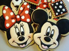 Mickey & Minnie Mouse cookies!