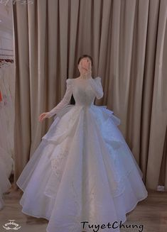 Grey Evening Dresses, Formal Dresses, Boy Art, Beautiful Bride, Wedding Gowns, Ball Gowns, Prom, Neverland, Aesthetics