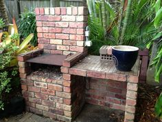 Diy outdoor grill bbq how to build Ideas Brick Built Bbq, Brick Grill, Built In Grill, Brick Projects, Backyard Projects, Backyard Ideas, Craft Projects, Garden Bbq Ideas, Landscaping Ideas