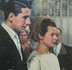 Royal weddings XIII: Pss Isabelle of France (Orleans) and Karl von Schonborn. She was 32 and the groom Royal Brides, Royal Weddings, Hugh Capet, Etat Civil, Wedding Tiaras, Royals, Royal Tiaras, Royal House, Pretty Pictures