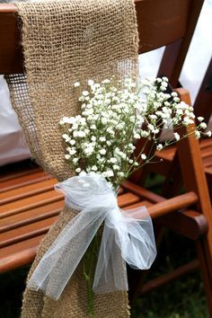 I could do something like this with burlap and baby's breath and tule. Bridal shower ideas www.sweetlychicevents.com Lavender and lace rustic bridal shower
