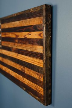 perfect gift for the Patriot or Veteran in your life. This rustic American flag is handmade using 80 year old reclaimed barnwood. This is a serious piece of art that will part of one's home their en Home Decor Catalogs, Home Decor Online, Home Decor Store, Cheap Home Decor, Wooden Pallet Crafts, Barn Wood Crafts, Wooden Diy, Pallet Wood, Wood Pallets