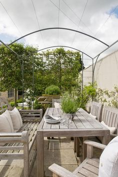 Gallery: Anton & K — Elle Decoration Country and You Magazine on Emma Lewis Photography Small Garden Pergola, Hot Tub Pergola, Pergola Attached To House, Metal Pergola, Pergola Patio, Pergola Ideas, Patio Ideas, Garden Ideas, Garden Arbor