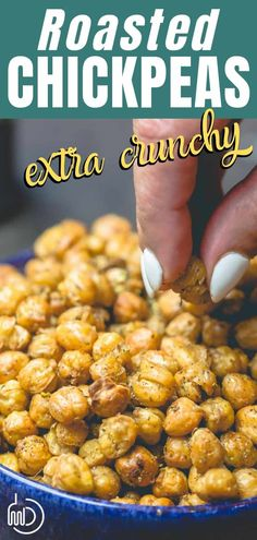 Recipes Snacks Easy This tutorial and recipe is all you need to make the BEST, actually crunchy, flavor-packed roasted chickpeas. A few tips make all the difference. You'll love this healthy, savory, easy snack! Vegan Healthy Snacks, Chickpea Snacks, Chickpea Recipes, Savory Snacks, Easy Snacks, Vegetarian Recipes, Healthy Recipes, Recipes With Chickpeas, Healthy Meals