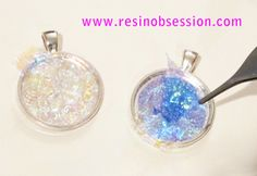 Placing iridescent papers in resin