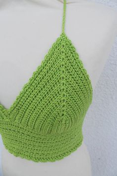 A unique Halter Bralette, Crochet Crop Top in a wonderful green color. This hippie top is made of mercerized cotton yarn. ★ This boho clothing is a beautiful backless top with an adjustable string that makes it easily to fit perfectly. ★ A halter crop top that is both festival