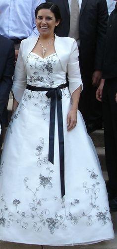 Robe de mariée Pronuptia 2011-Noce de Pensee ivoire et accessoires d'occasion