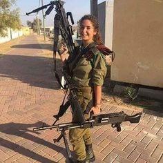 Idf Women, Military Women, Israeli Female Soldiers, Brave Women, Military Girl, Armada, Beautiful Women, Sexy, Army Girls