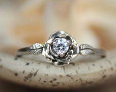 I really like this! I like the white sapphire!