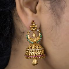 Pc Matt finish Set Rs 799 with shipping. Direct message to place order Shipping is extra the damage will be… Gold Jhumka Earrings, Indian Jewelry Earrings, Jewelry Design Earrings, Gold Earrings Designs, Gold Jewellery Design, Necklace Designs, India Jewelry, Jhumka Designs, Jewellery Bracelets