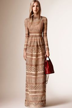 Burberry Resort 2016 Fashion Show - Ella Richards