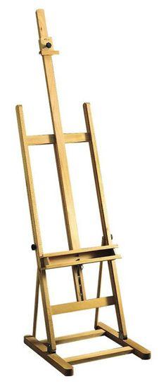 Atelierezel met bak Shannon  Schildersezel in hoogte verstelbaar  De voet kan opgeklapt worden.  Max. doekhoogte 116 cm.  Totale ezelhoogte 235 cm.  Gewicht 10 kg.  Vloeroppervlak 55x52 cm.  Zware beukenhouten uitvoering.  Leverbaar als bouwpakket of compleet gemonteerd.