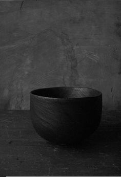 Charcoal Charcoal Charcoal! Wooden lacquer tea bowl by kozan, japan