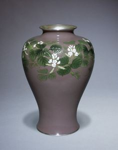 Cloisonné enamel vase decorated with flowering legumes, mark of the Ando Company, Nagoya, Japan, . Matt Brown, Painted Vases, White Enamel, Shades Of Green, Three Dimensional, Metal Working, Collections, Textiles, Japanese