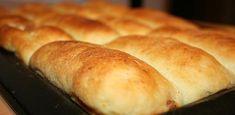 Bryndzové koláče | Bonviváni Hot Dog Buns, Hot Dogs, Bread, Food, Basket, Brot, Essen, Baking, Meals