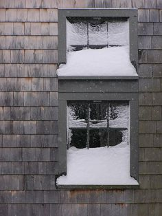 5 Ways to Insulate Your Windows for Winter- hate that I am already thinking about winter but I wanna stay warm!