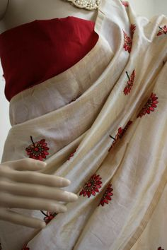 Premium quality soft chanderi silk saree with all over embroidery work. Order what's app 7995736811 Simple Saree Designs, Simple Sarees, Trendy Sarees, Fancy Sarees, Saree Blouse Designs, Cutwork Saree, Chanderi Silk Saree, Raw Silk Saree, Soft Silk Sarees