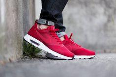 """Red is so lush.   Nike Air Max Tavas SE """"Gym Red""""  via http://www.highsnobiety.com/2015/03/23/nike-air-max-tavas-se-gym-red/#slide-1"""