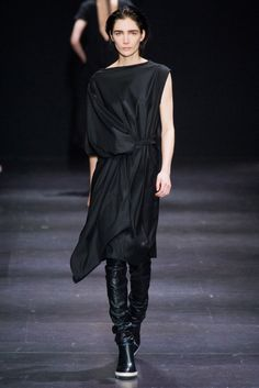 Fall 2014 RTW Ann Demeulemeester Collection  Photo:     DANIELE OBERRAUCH/Imaxtree