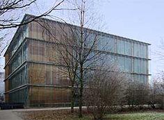 メーダーのエコ中学校 Architect: Baumschlager & Eberle Address: Alte Schulstrasse 7 6841 Maeder Build: 1998