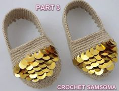 "samsoma on Instagram: ""الان على قناتي ب #اليوتوب الجزء الاخير لطريقة #كروشية #حذاء. #بيبي. بالترتر #تعليم_الكروشيه #كروشيه_مواليد #كروشيه_بنات #كروشيه_بيبي…"" Crochet Baby Shoes, Knit Crochet, C2c, Sock Shoes, Espadrilles, Slippers, Booty, Sandals, Knitting"