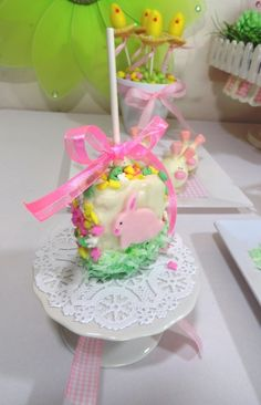 Easter - Party Planning - Party Ideas - Cute Food - Holiday Ideas -Tablescapes - Special Occasions And Events - Party Pinching Cake Pops, Hoppy Easter, Easter Eggs, Easter Bunny, Easter Cake, Easter Food, Easter Cookies, Easter Recipes, Holiday Recipes